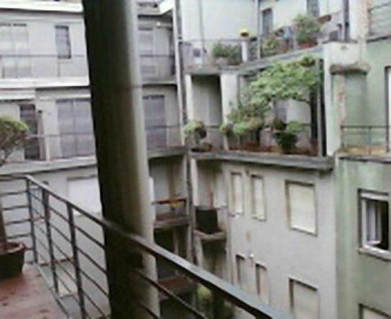 Hotel Delle Nazioni: balcon commun, accès à la cour