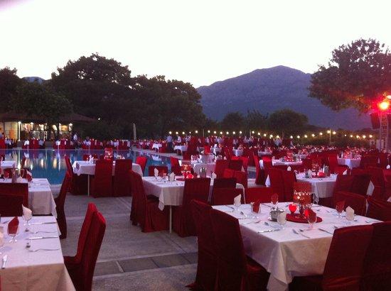 Club Med Kemer: Turkish Delight, soirée rouge-blanche