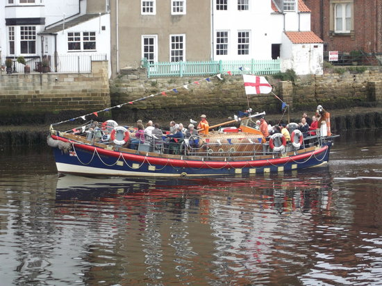 Whitby Old Lifeboat: Setting off