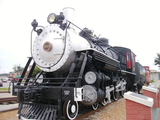 Cookeville Depot Museum : One of the trains outside the museum