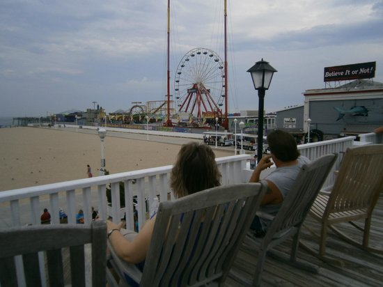 Atlantic Hotel: Sitting on the deck looking at the amusement area