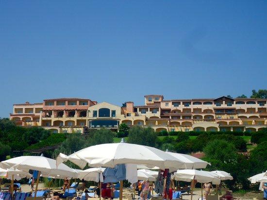 Colonna Village : camere vista mare fotografate dalla spiaggia