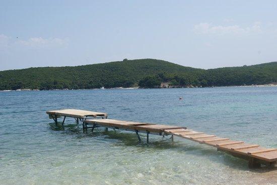 Villa Bacchus: Avlaki beach, nearest to villa