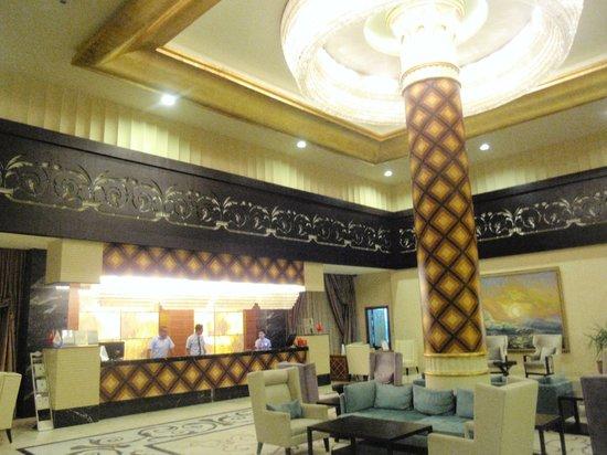 Melas Resort Hotel: Le hall d'entrée