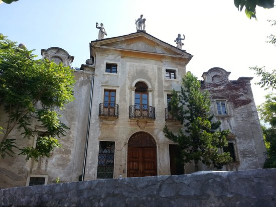 Villa Bertagnolli : Front facade