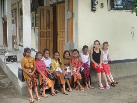 Bali 2000 Cycling - Day Tours: We loved the visit to the local school