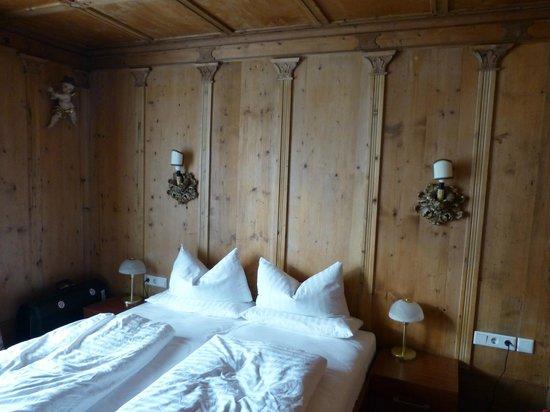 Atlas Grand Hotel : Normale hotelkamer