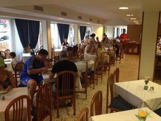 Hotel Sant Jordi: eetzaal
