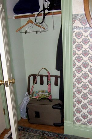 Parish House Inn: The closet is quite small, just slightly larger than what is pictured