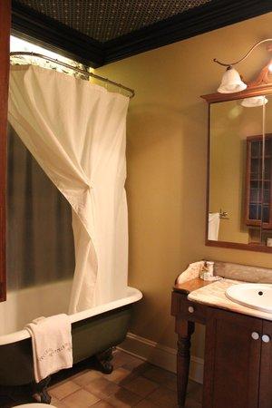 Hotel Cap Diamant : Salle de bain de la suite