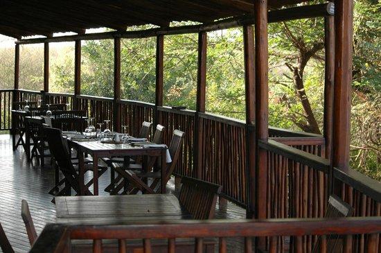 Shishangeni Private Lodge: sala da pranzo
