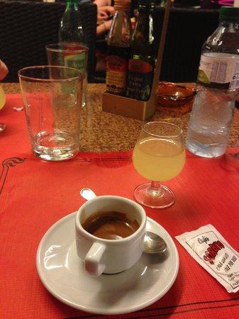Il colloseo: Limoncello e caffè espresso, come a casa :)