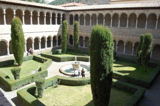 Monestir de Santa Maria de Ripoll: Claustro