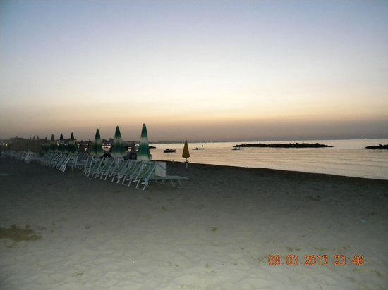 Park Hotel Cattolica: At the beach