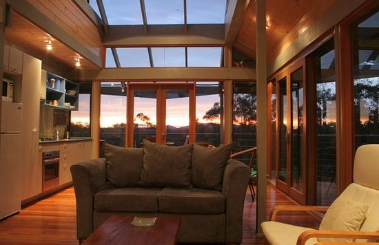 Bombah Point Eco Cottages: Panoramic tree and valley views