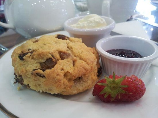Cycle Art: Home baked scone with home made jam