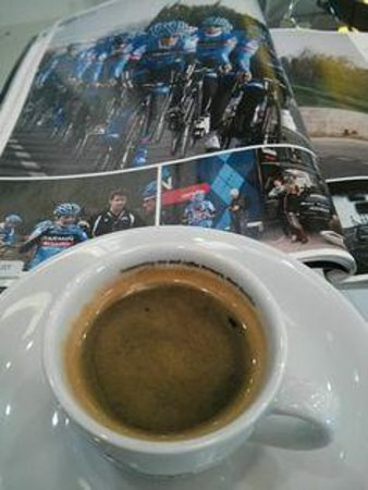 Cycle Art: Espresso & Pro Cycling.