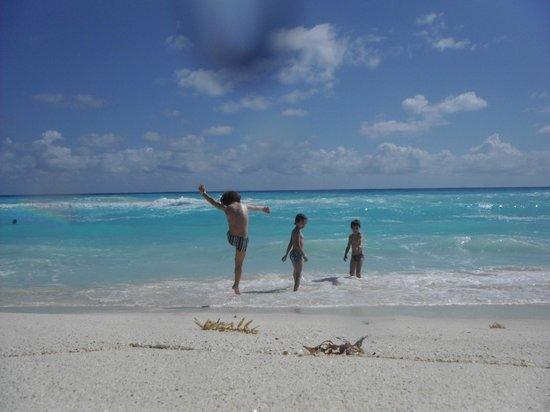 Playa Delfines: Azul