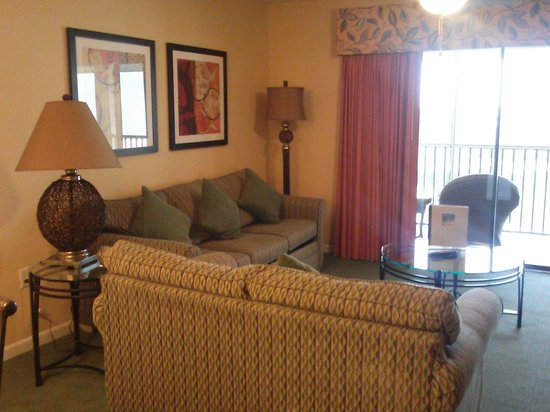 Orlando's Sunshine Resort: Living room