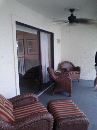 Orlando's Sunshine Resort : Screened patio with a fan, so nice!