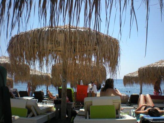 Jo Jo's Beach Bar : Perivolos