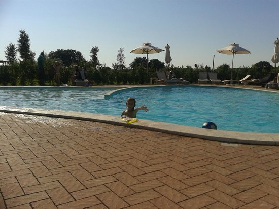 Resort Il Casale Bolgherese: Piscina