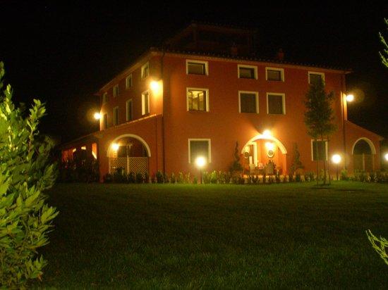 Resort Il Casale Bolgherese: Notturna