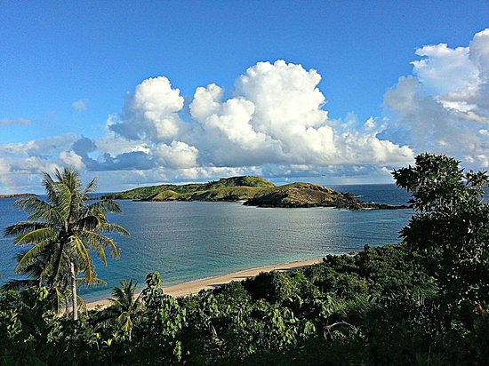 Calaguas Island, Philippinen: back side of the mountain is this view