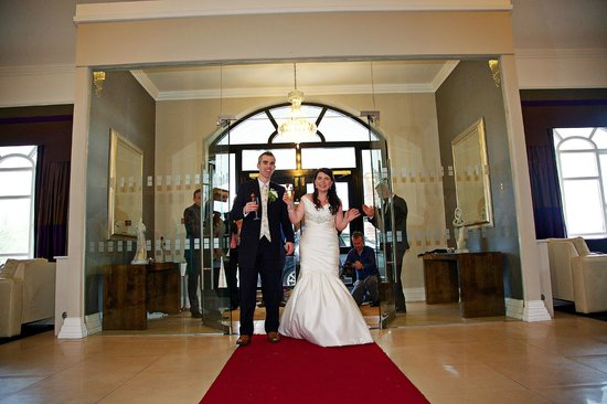 Killarney Oaks Hotel: Main Wedding Reception with Red Carpet