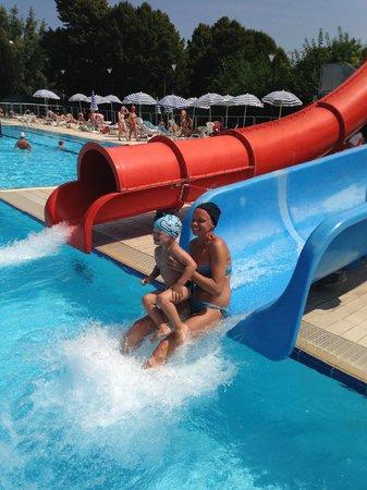 Scivoli foto di piscina comunale trecate torino - Piscine con scivoli ...