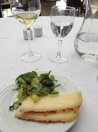 La Table des Marechaux - Hotel Napoleon: fromage Le petit Napoléon