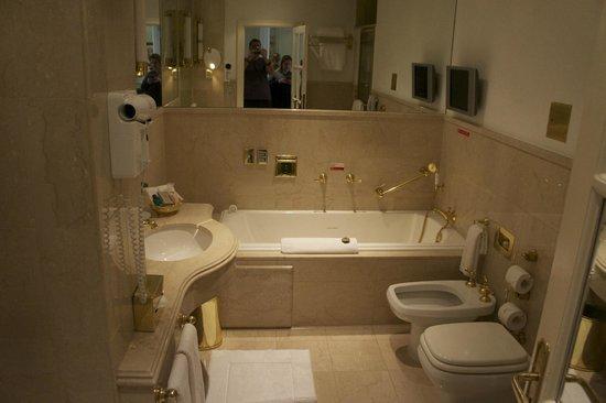 Alvear Palace Hotel: Banheiro