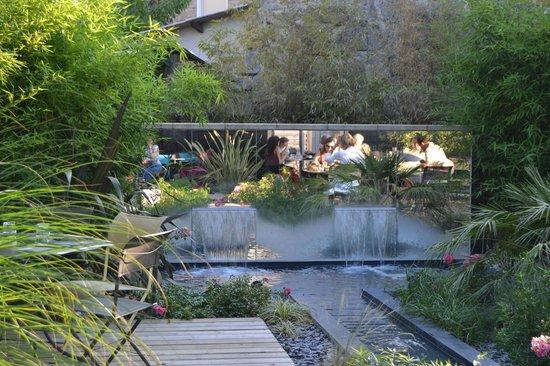 La Taverne du Sommelier: terrasse à  l'arrière