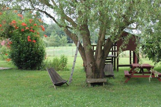 Les gites du hameau de Pau: le jardin