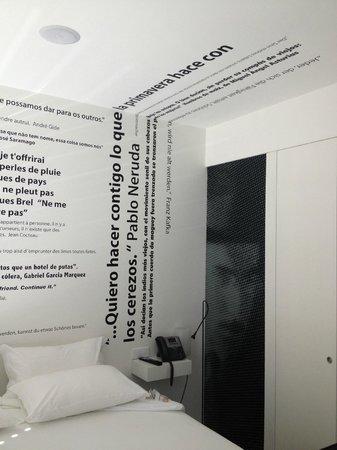 Design & Wine Hotel: Chambre High Tech