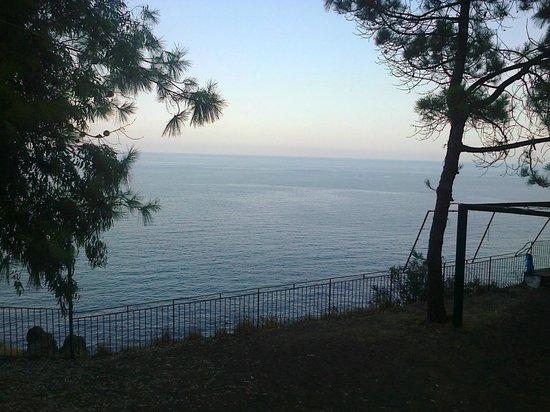 International Camping Village LaTimpa : il paesaggio dalla terrazza principale del campeggio