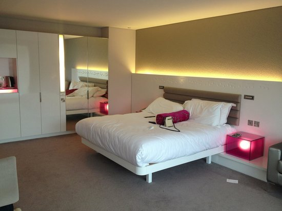 The Morrison, a DoubleTree by Hilton Hotel: Gorgeous bedroom
