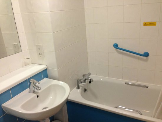 Travelodge Sheffield Central Hotel: Bathroom