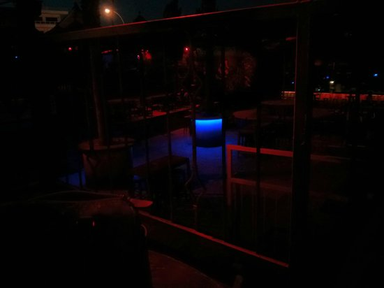 Guaba Beach Bar : Lights came on as it got dark and the place transformed into a club