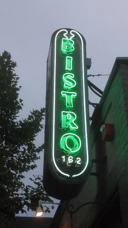 Bistro 162: Awesome place to Eat!!!