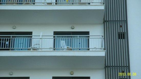 Ilusion Markus & Spa: Balkon med 1 lille rundt bord og 2 stole