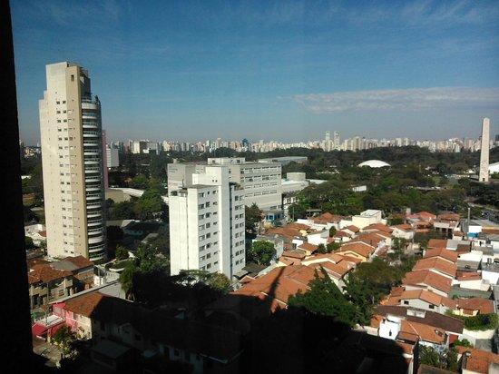 Pullman Sao Paulo Ibirapuera: Vista do quarto (vista para o Parque do Ibirapuera)