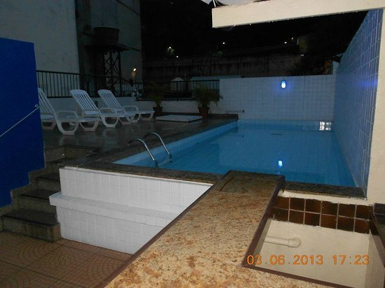 Golden Park Hotel: PISCINA 1
