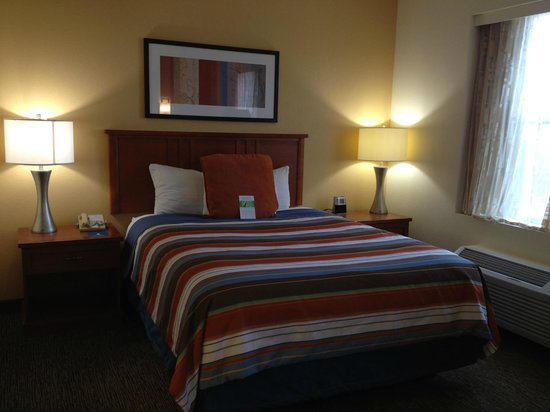 Hyatt House Chicago/Schaumburg: Queen bed