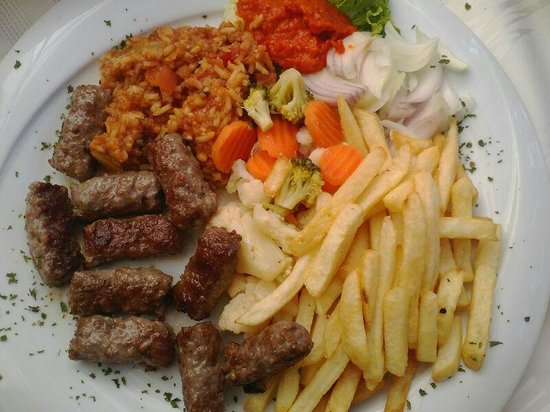 Apartments & Rooms Barbara: Lecker Cevapcici