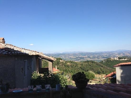 Torre Valbiancara Country House : vista dal terrazzino