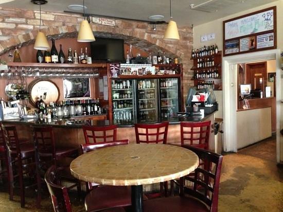 Milo's Cellar: the bar!