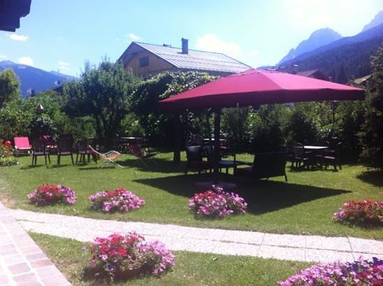 Hotel Garni Senfter: giardino