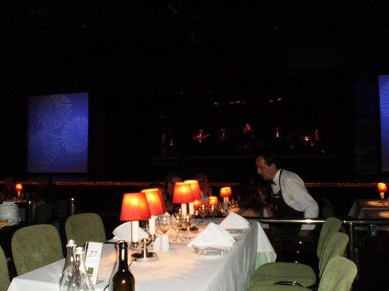 Casino Vilamoura: Mesas y escenario