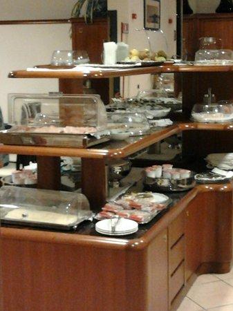 Hotel Iris : Esposizione colazione